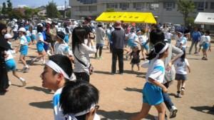 「親と子サンバ」もたくさんの参加をいただきました。