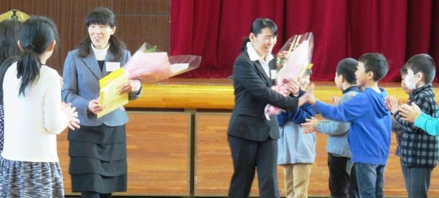 牧山先生と本林先生の離任式を行いました。